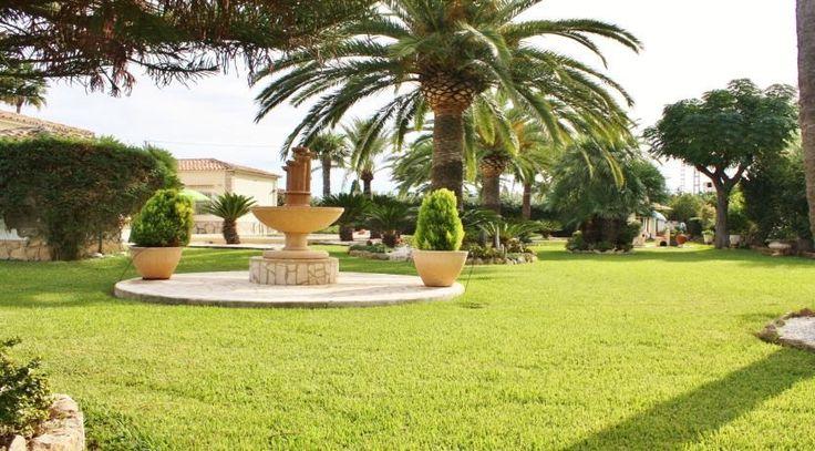 Villa in Denia/Spanien mit eigenem Traumpark. Ferienwohnungen direkt an der Costa Blanca jetzt im Vertrieb der Ott Investment AG. Weitere Traumimmobilien in Spanien finden Sie unter: http://www.ott-kapitalanlagen.de/immobilien-spanien.html