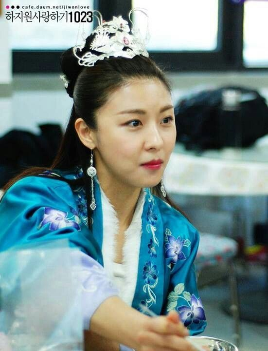Empress Ki (Hangul: 기황후; hanja: 奇皇后; RR: Gi Hwanghu) is a South Korean pseudo-historical television series starring Ha Ji-won as the titular Empress Gi.It aired on MBC. The series revolves around a Goryeo-born woman who ascends to power and later marries Toghon Temür (Emperor Huizong of China) to become an empress of theYuan dynasty.