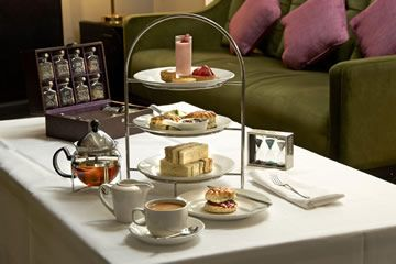 London Hilton Afternoon Tea & Thames River Cruise for Two