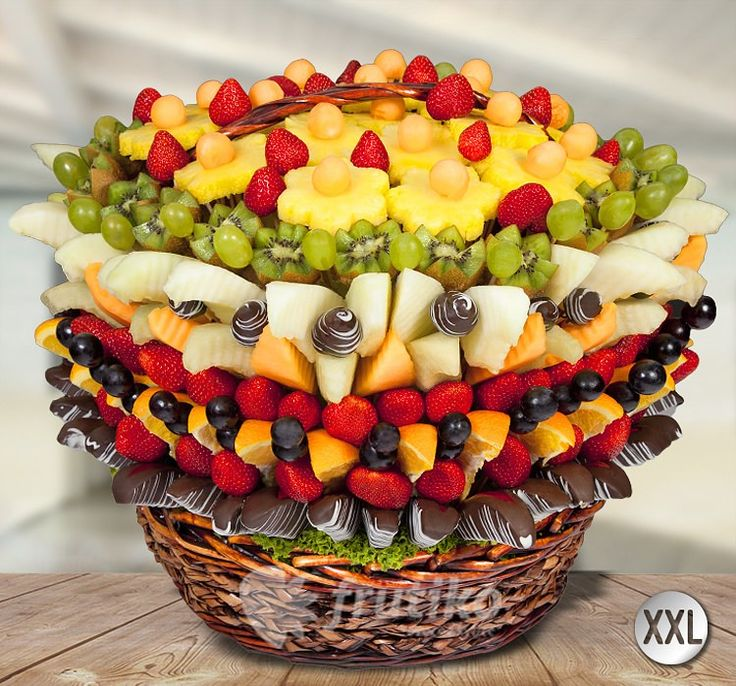 Delicious fruit baket for your wedding http://www.frutiko.cz/en/fruit-basket #wedinggift #wedding #weddingflower