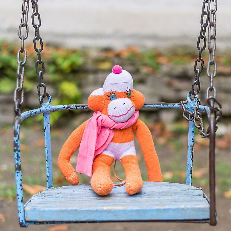 Unique, hand made sock monkey.    Egyedi, kézzel készült zoknilény.
