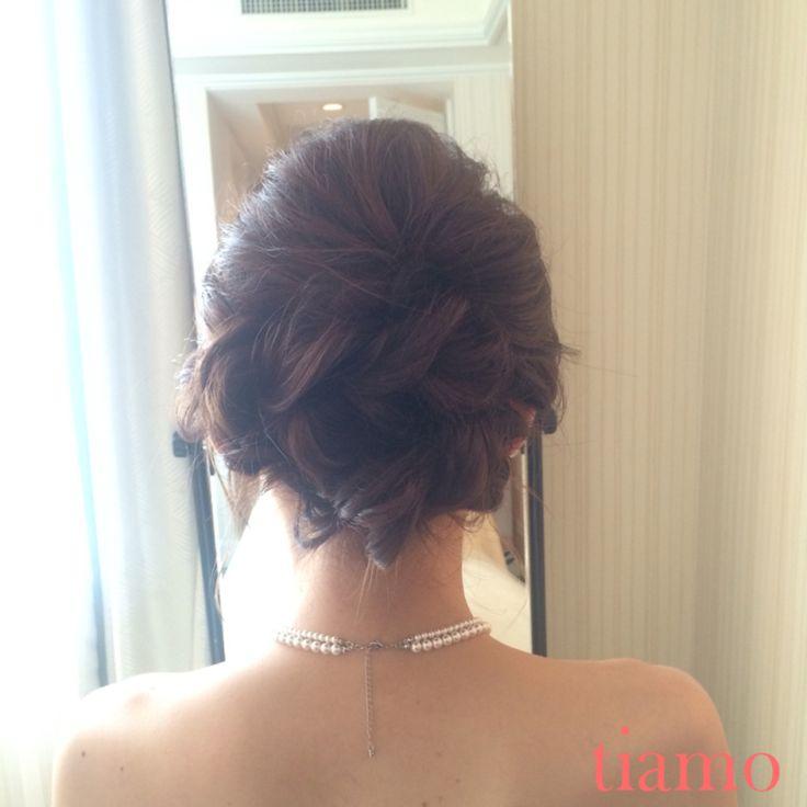 大人めシニヨンスタイルから編み込みダウンスタイルの可愛い花嫁様♡ の画像 大人可愛いブライダルヘアメイク『tiamo』の結婚カタログ