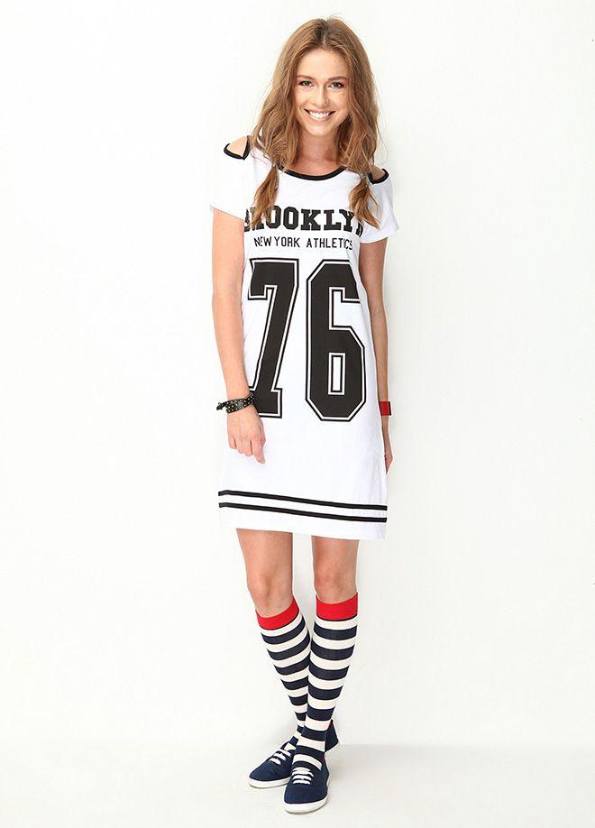 Genç Stil: Okulda İlk Gün Omzu Pencereli Elbise Markafoni'de 85,00 TL yerine 24,99 TL! Satın almak için: http://www.markafoni.com/product/4875313/ #markafoni #fashion #instafashion #style #stylish #look #photoshoot #design #designer #bestoftheday #gri #dress #girl #model #bestagram