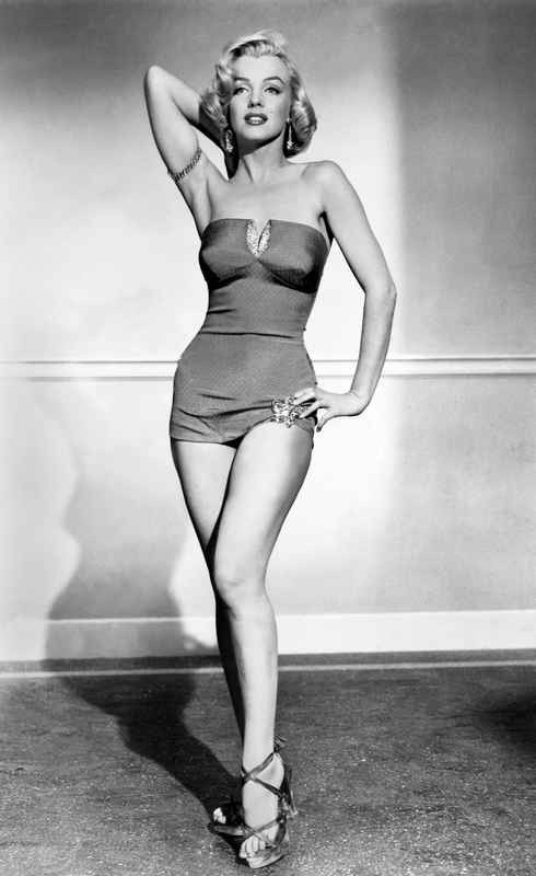 Marilyn Monroe Posed With Swimsuit And Arm Behind Head