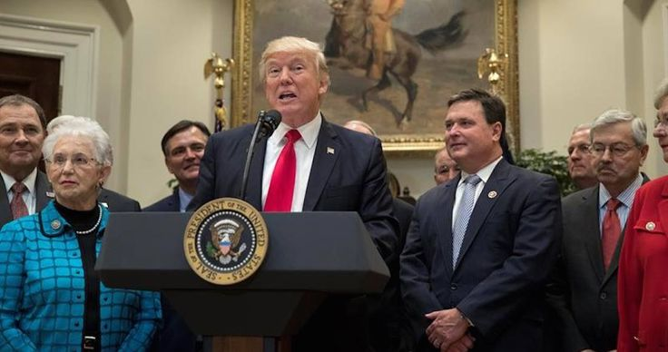 Trump revela a WP que iba a terminar con el TLCAN el sábado y vio su mapa electoral, decidió no hacerlo