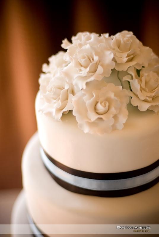 Pretty cake at Eagle Ridge Golf Club