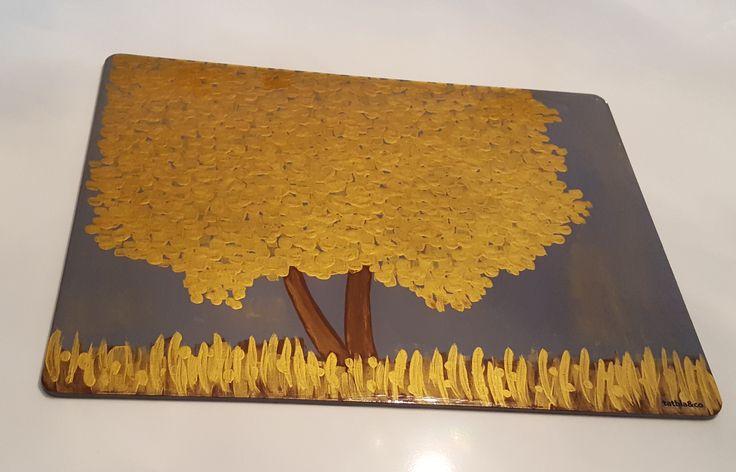 Individual pintado a mano y resinado. Hand painted fibreboard placemat.