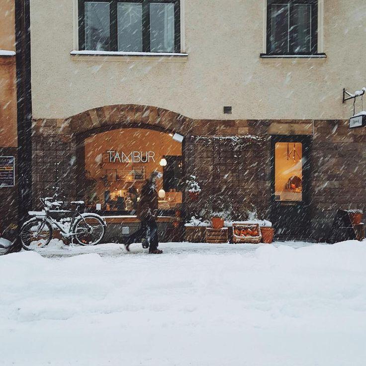 """122 gilla-markeringar, 3 kommentarer - T A M B U R (@tamburstore) på Instagram: """"Vinter i stan! ❄️☃️ #tamburstore"""""""