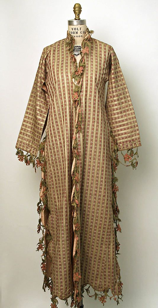 Caftan (Üçetek?) Date: 18th century–19th century Culture: Turkish Medium: silk Dimensions: [no dimensions available] Credit Line: Gift of Julian Clarence Levi, 1966 Accession Number: C.I.66.21.15