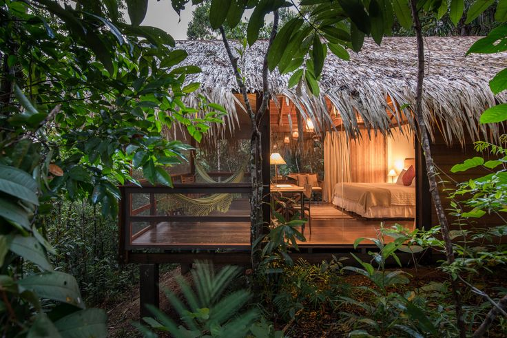Anavilhanas Jungle Lodge é um exclusivo Hotel de Selva, localizado no Rio Negro, a 180Km de Manaus - Amazonas,