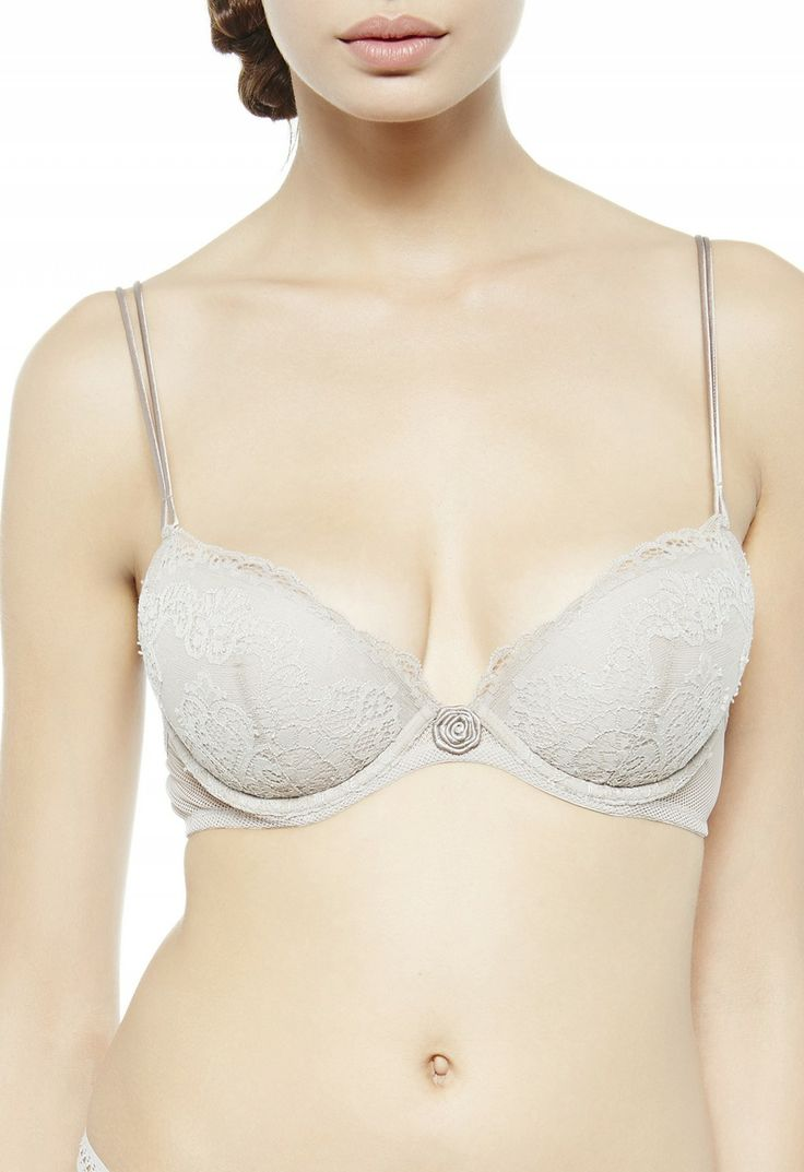 Push up bra featuring full underwire with lace and front bow detail.  Adjustable straps and back closure.      20% Elasthan 60% Nylon 20% Silk LINING:: 100% Cotton WADDING:: 14% Cotton 86% Polyester     USCFILPD905757