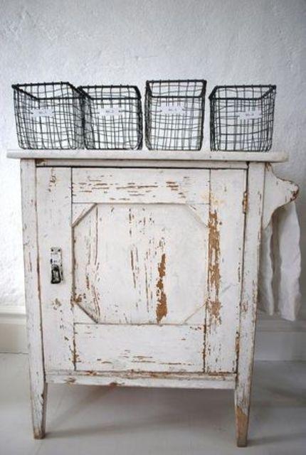 39 Shabby Chic Whitewashed Storage Pieces | DigsDigs