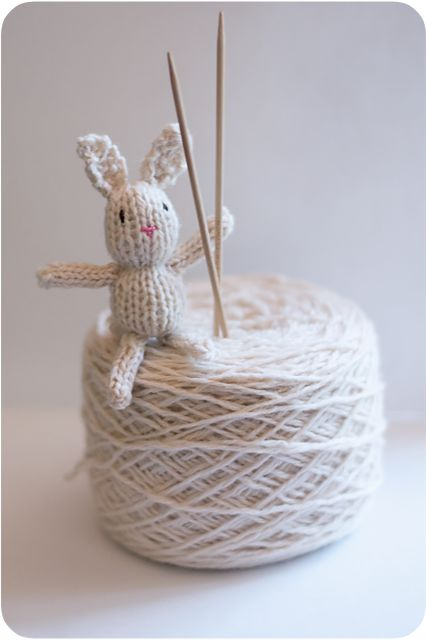 Teeny tiny knitted bunny pattern