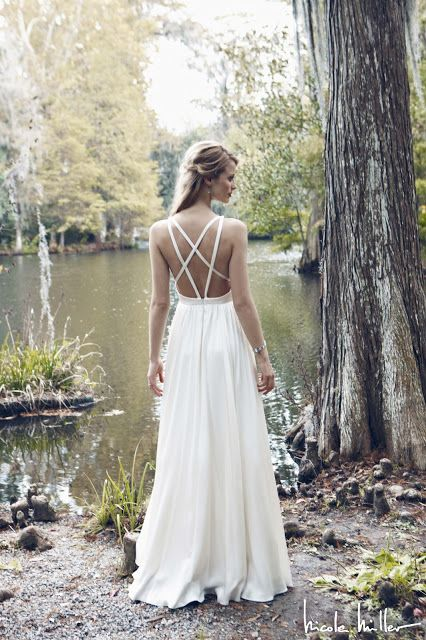 Nicole Miller wedding dress (back)