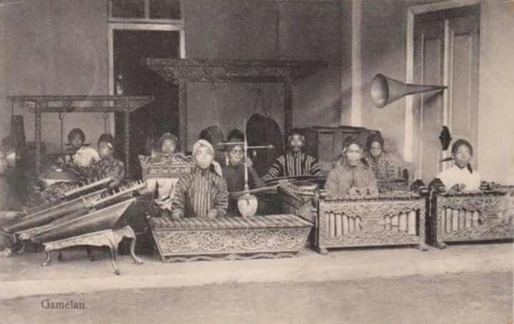 Gamelan, 1915 (location unknown)
