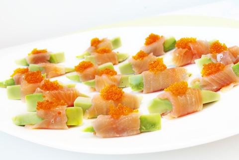 Sabores de Canela: Rolos de salmão e abacate