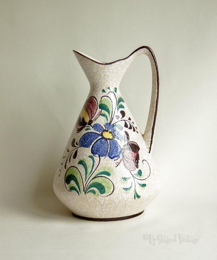 Jahrgang 1960 West deutschen Retro BAY Keramik 244-30 Blumen Keramik Krug Krugvase von UpStagedVintage auf Etsy https://www.etsy.com/de/listing/496906916/jahrgang-1960-west-deutschen-retro-bay