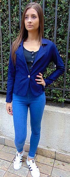 liberdariaLindo terninho azul Liberdária, estilo aeromoça, confortável e elegante. Detalhe para suas abotoaduras douradas que dão um charme especial. #blazer #blazerazul #terninhoazul #terninhoaeromoça #liberdaria #roupasliberdaria #modafeminina #estilo #fashion #centrocomercialalphaville #alphavilleresidencial2 #cidadejardim #chique #elegante