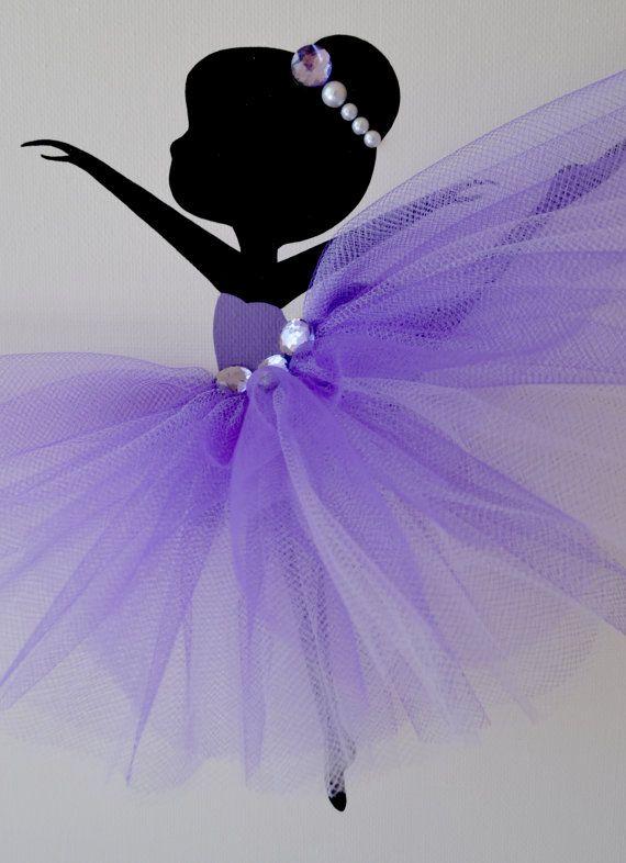 Ballerina kunst aan de muur. Paars lavendel en witte