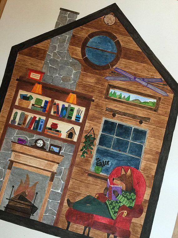 Nella sua casa di legno, una volpe sta leggendo un libro mentre fuori la foresta sta dormendo e la notte buia è rischiarata solo da poche
