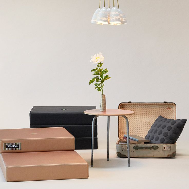 A tumble mattress, extra seating, a cosy space to watch movies - the possibilities are endless with this great 3 Fold Single Mattress from by KlipKlap. The mattresses are available in various models that can be folded in many different creative ways.