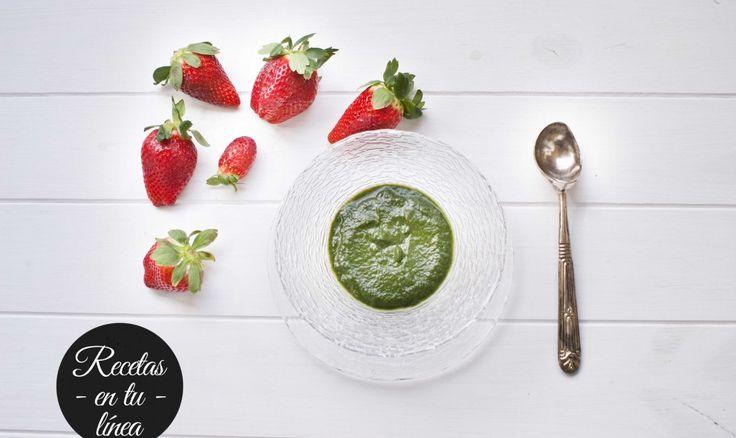 Crema de espinacas - Dieta En tu linea - Dieta de los puntos - Receta puntuada - Solo 2 propoints. 250 grs. de espinacas congeladas (0 PP) 1 cebolla mediana 2 dientes de ajo 1 patata mediana (3 PP) 1 CD de aceite de oliva virgen extra (3 PP) - See more at: http://recetasentulinea.com/recipes/crema-de-espinacas-2-pp/#sthash.hSxZifE8.dpuf #propoints #entulinea #weightwatchers #dieta #pierdepeso