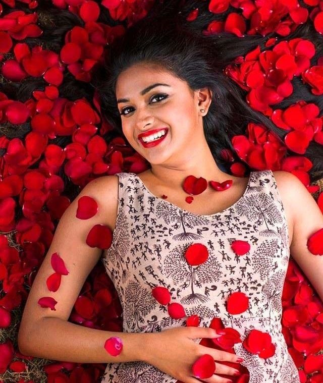 Actress Keerthi Suresh Hot Photos
