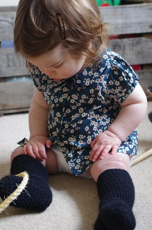 lovely handmade baby clothes blog, au coeur d'artycho.  @Susan Seward  @Sepi Alavi