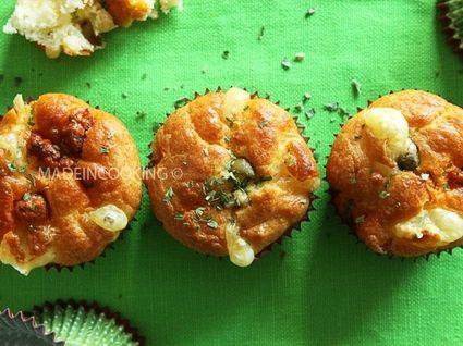 Muffins au chorizo, emmental et olives vertes