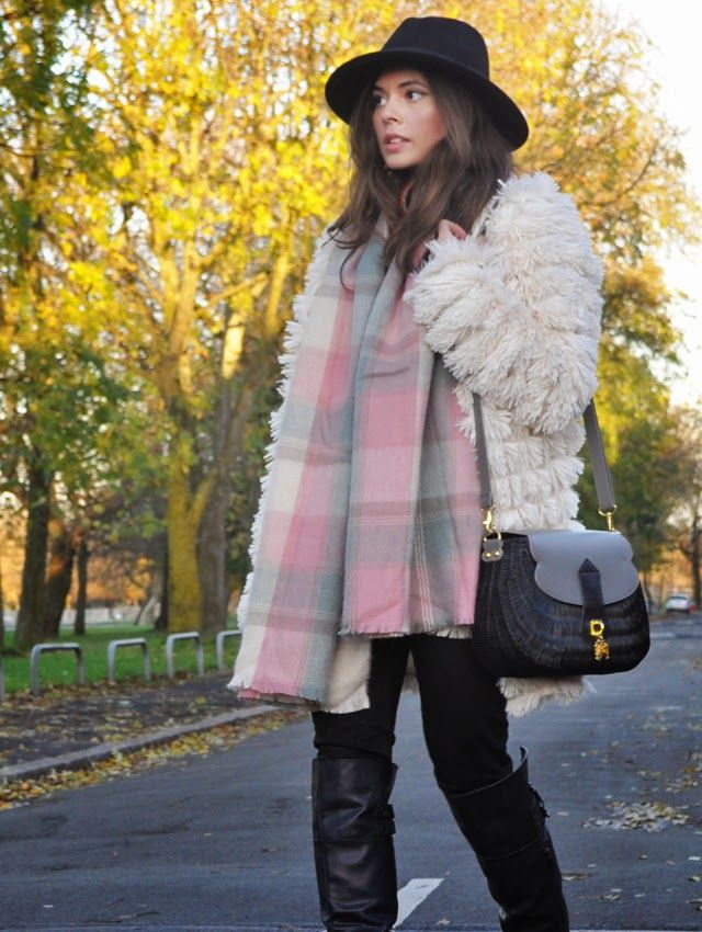 Bonfire Night 2014. <3 Outfit details: http://www.francescassandra.com/2014/11/outfit-remember-remember-fifth-of.html #pastels #fauxfur #autumn #fall #winter #aw14 #fashion #ootd #wiwt