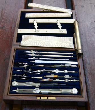 45 best images about boite de compas instruments scientifique boxed set of drawing instruments. Black Bedroom Furniture Sets. Home Design Ideas