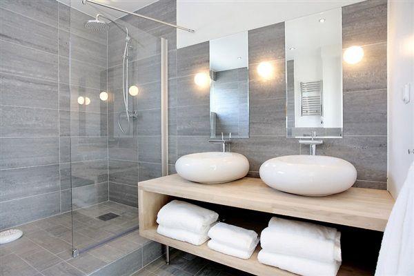 ingaro-badrum snyggt grått
