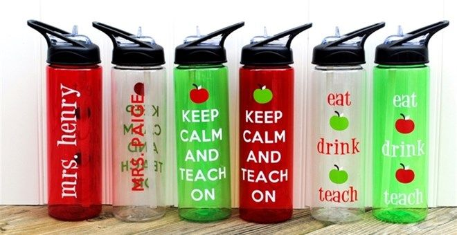 PERFECT holiday gift for teachers! Personalized Teachers Water Bottles & Tumblers!