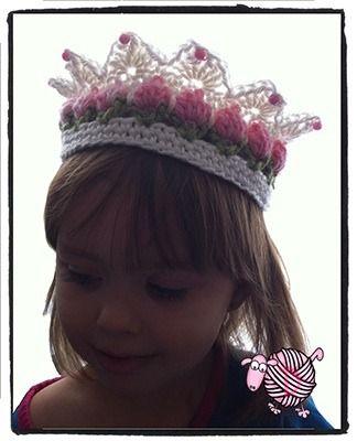 Turn your little girl into a flower girl with this Crochet Flower Girl Crown. http://dearestdebi.com/crochet-flower-girl-crown