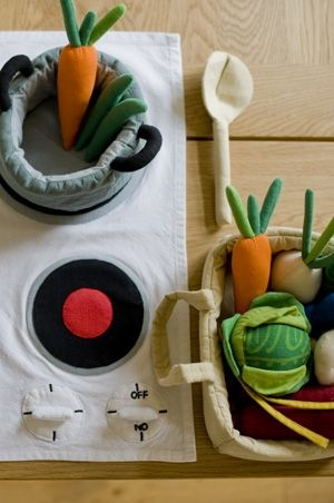 fabric play kitchen I love the fabric 'hob', great for visiting children...food from IKEA