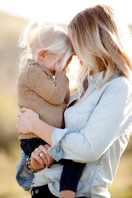 me oh my!: Family Photos with Ashlee RaubachLittle Girls, Future Daughters, Family Photos, Blond, Mothers Daughters Photos, Mom Daughter, Future Kids, Families Photos, Baby Girls