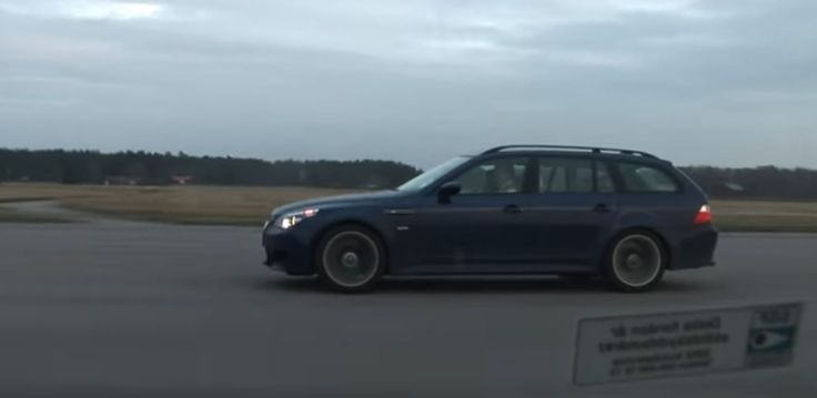 Video: BMW M5 Touring vs Mercedes E55 AMG Drag Race Is as Close as It Gets - http://www.bmwblog.com/2017/05/31/video-bmw-m5-touring-vs-mercedes-e55-amg-drag-race-close-gets/