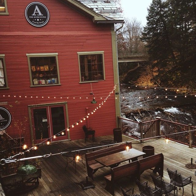 ✸This Old Stomping Ground✸, the montague bookmill in #westernmass is a dream!
