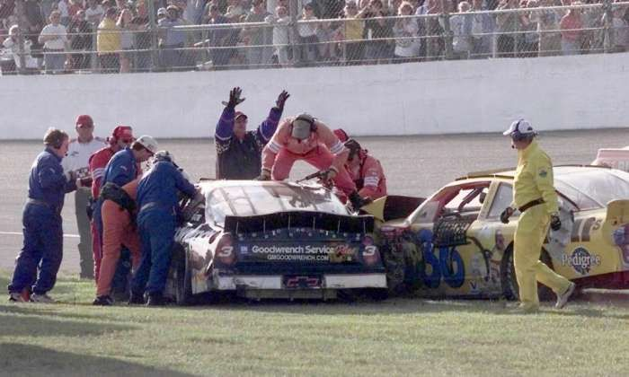 Sterling Marlin Killed Dale Earnhardt | Rescue workers try to get Dale Earnhardt out of his car after the Feb ...
