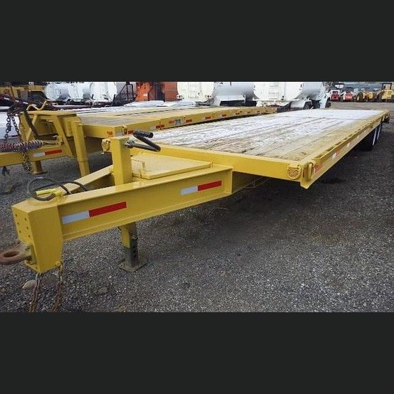 Falcon Trailer Supplier Worldwide | Used 2004 32 ft Equipment Trailer For Sale