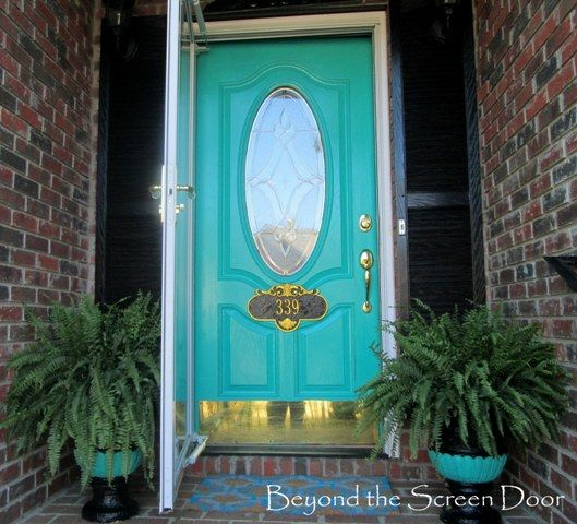 Ignore everything else about this picture but the turquoise door color haha. | LFF Designs | www.facebook.com/LFFdesigns