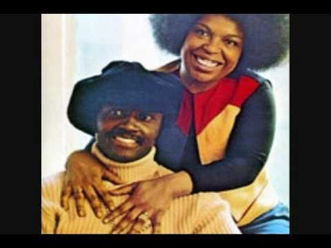 ▶ Roberta Flack ft. Donny Hathaway - The Closer I Get To You - YouTube