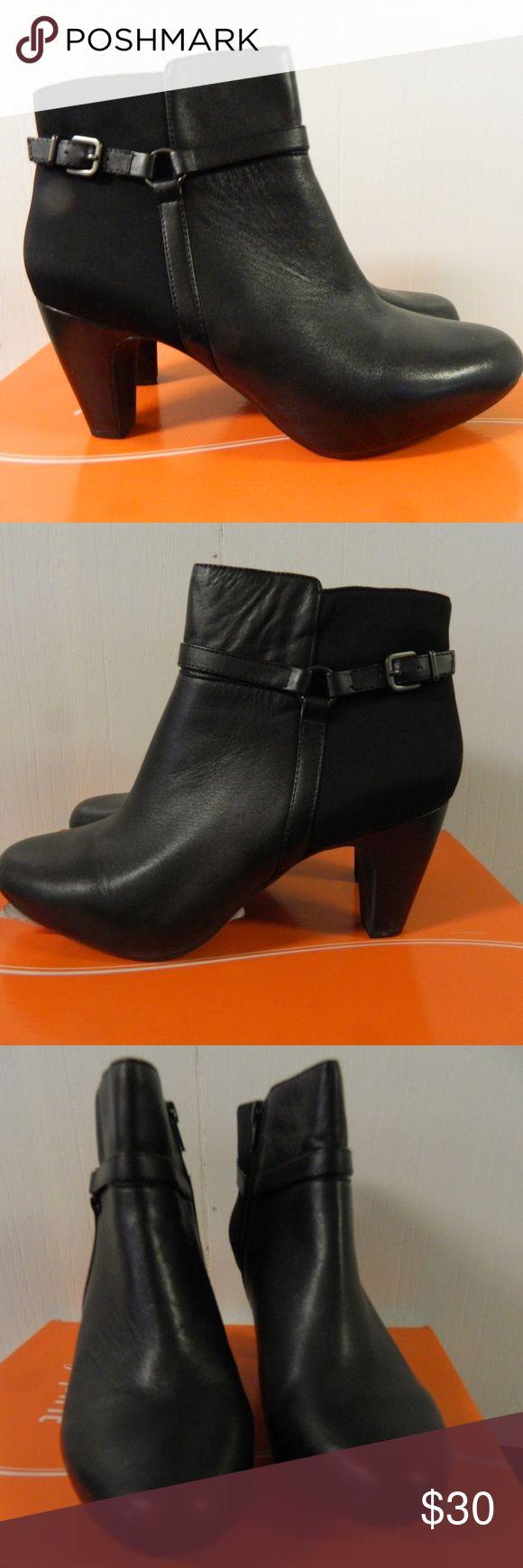 "Easy Spirit Pedrina Ankle Boots sz 91/2 M NIB Excellent condition.  Side zipper opening.  3 "" heel.  Black Easy Spirit Shoes Ankle Boots & Booties"