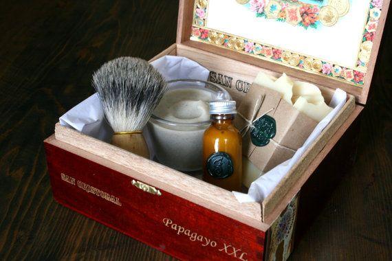 Shaving kit.: Beer Soaps, Friends Shaving, Shaving Soaps, Groomsmen Gifts, Cigars Boxes, Groomsman Gifts, Beer Shaving, Fun Gifts, Shaving Kits