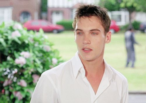 Joe from Bend It Like Beckham... *_*