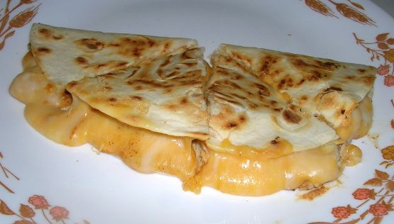 spanish quesadilla Discover delicious and easy to prepare quesadilla recipes from the expert chefs at food network.