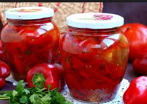 Лечо из болгарского перца и помидор на зиму - вкусный салат. Лучшие пошаговые рецепты с фото вкусных домашних заготовок. Овощной салат на зиму в банках.