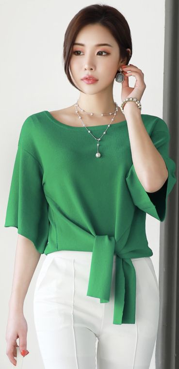 StyleOnme_Scoop Neck Tie-front Knit Top #green #tiefront #knit #stylish #koreanfashion #kstyle #kfashion #springtrend #seoul #dailylook
