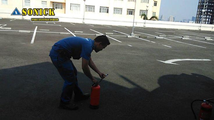 Demo Tabung Pemadam Api.081222291986  pujianto@tabungpemadamapi.com #alatpemadamapi #alatpemadamkebkaran #tabungpemadamapi#tabungpemadamkebakaran #alatpemadam #tabungpemadam