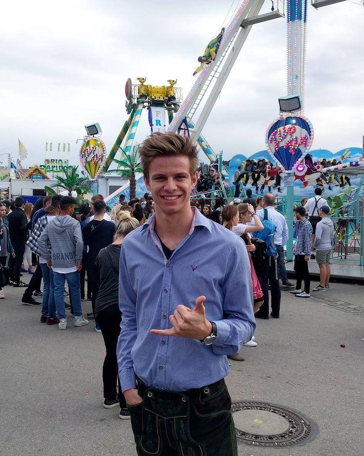 """Polubienia: 4,785, komentarze: 76 – @andreaswellinger na Instagramie: """"Große Kinder auf dem Spielplatz  Big kids on the playground """""""